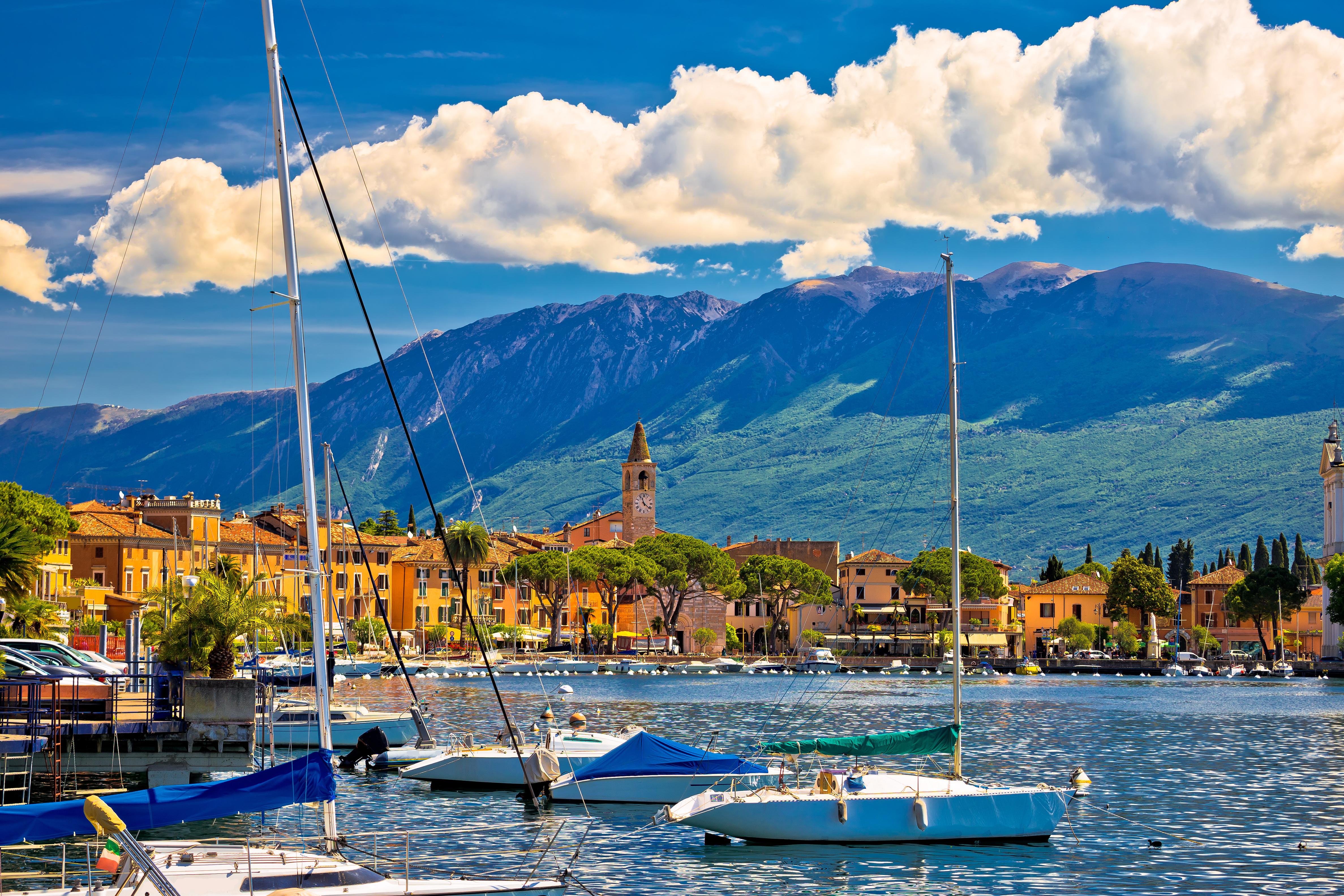 Senior Hotel, in vacanza sul Garda: confort, servizi dedicati, animazione e lago
